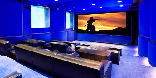 J pensou em ter uma sala de cinema em casa veja alguns - Sala cinema in casa ...