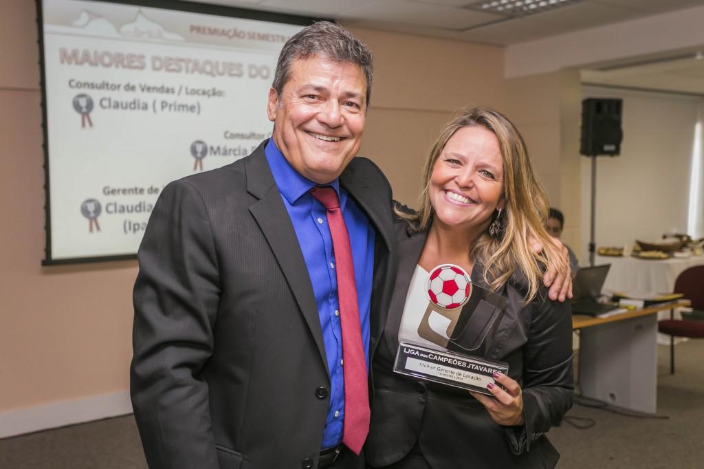 Claudia Abitbol (Equipe Locação Ipanema): Destaque do 1º Semestre como Melhor Gerente de Locação do Grupo JTavares.