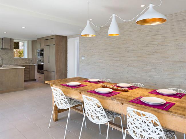 4-sala-jantar-mesa-madeira-demolição-pendentes-diferentes