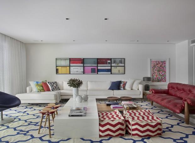 1- yamagata-arquitetura-leblon-rj-sala-de-estar-sofa-mesa-de-centro