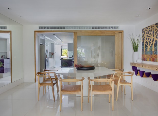3 - yamagata-arquitetura-leblon-rj-sala-de-jantar-mesa-aparador