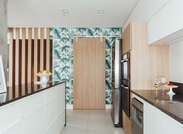 4 cozinha-armarios-despensa-geladeira