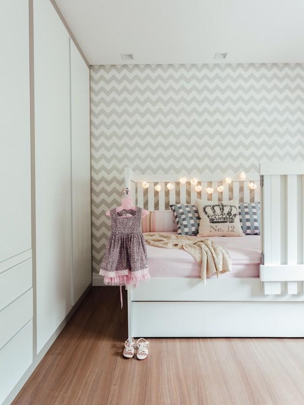 8 quarto-de-crianca-papel-de-parede-cama-armario